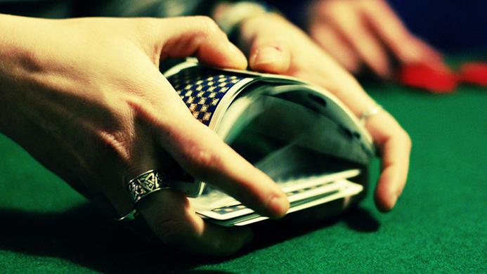 A股震荡分级基金洗牌,招商银华富国摘得规模前五,王雪微