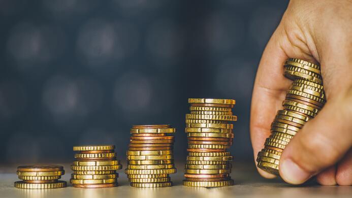 央行扩表呵护流动性,但资金仍紧施压去杠杆